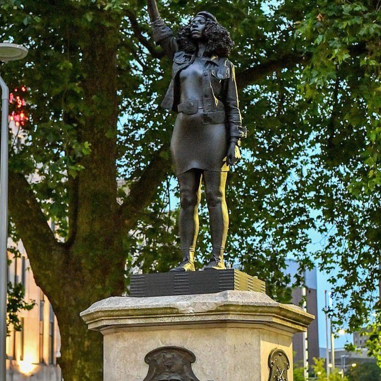 Nuova statua a Bristol, per l'eroina del Black Lives Matter. Con buona pace dei fanatici del complotto iconoclasta…