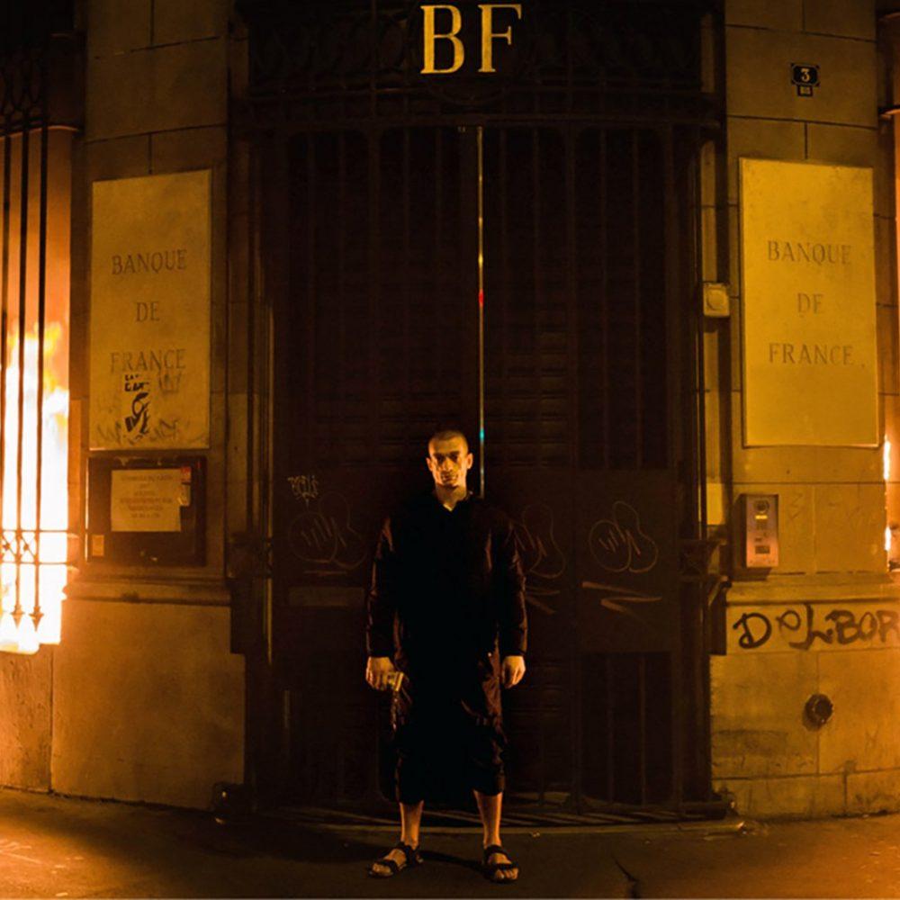 """Pavlensky. L'arte deve continuare a scuotere coscienze, a mettere """"il dito nella piaga"""""""